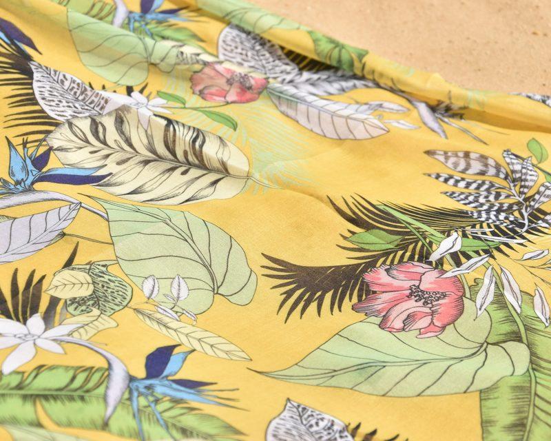 Shawl, katoen viscose, tropisch dessin, geel