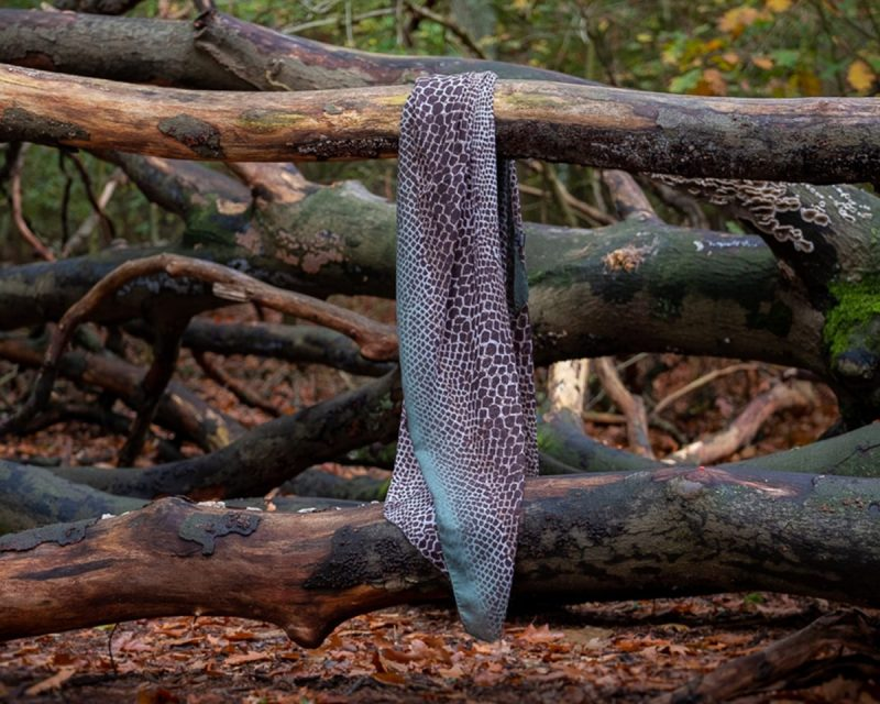 Shawl viscose slangenprint groen