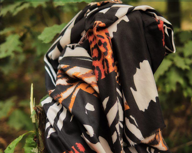 Shawl-zebra-panterdessin-zwart