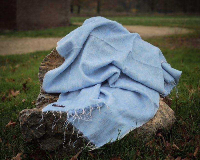 Sjaal-Yakwol-Effen-Shawl-Lichtblauw