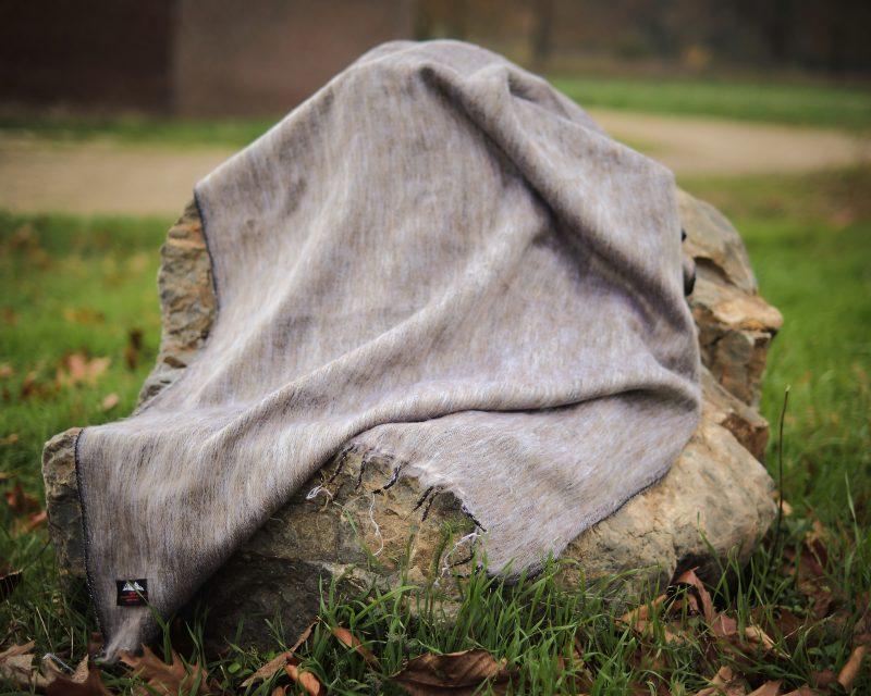 Sjaal-Yakwol-Nepal-taupe gemelleerd