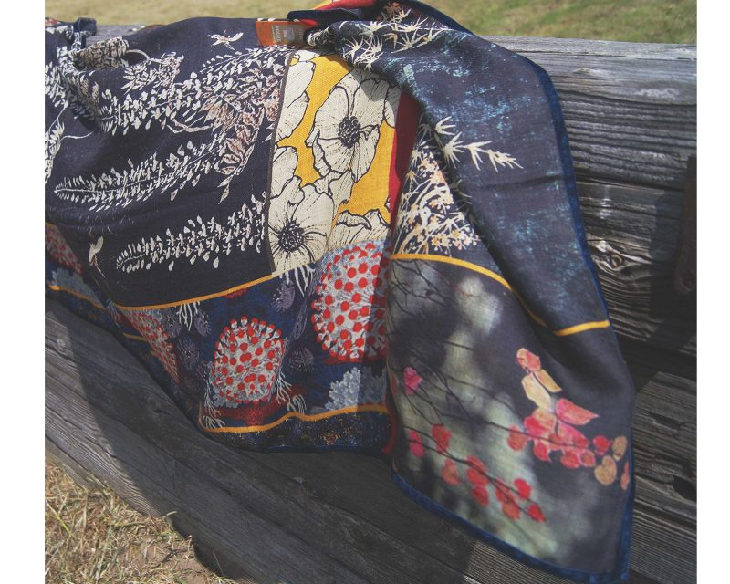 Wollen Silkroute shawl Vy