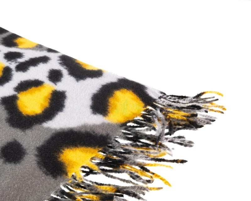 Shawl-wol-viscose-panterprint-grijs-zwart-geel