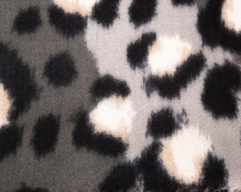 Shawl-wol-viscose-panterprint-grijstinten
